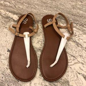 SO white & tan thong sandals